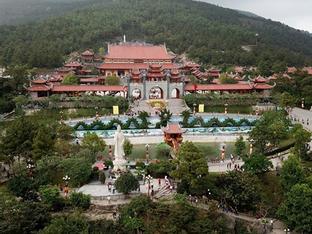 Quy mô hoành tráng của chùa Ba Vàng, nơi gây xôn xao vì 'thỉnh vong'