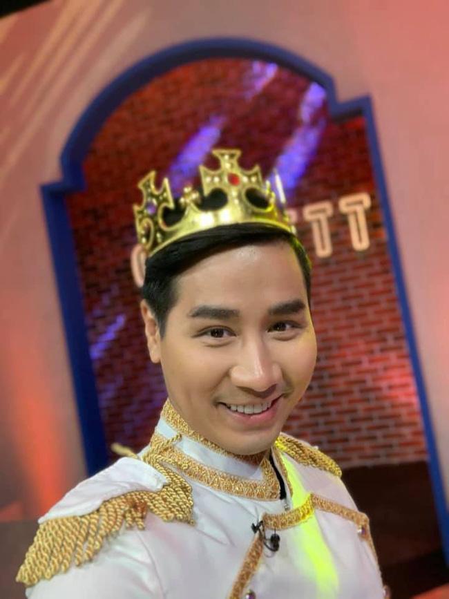 Sau thảm họa thời trang, MC Nguyên Khang hoạ mặt kiểu hot girl-3