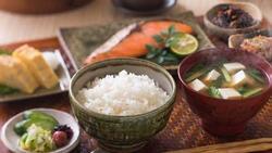 Nhiều người Việt tàn phá bản thân vì thói quen ăn uống ngược đời