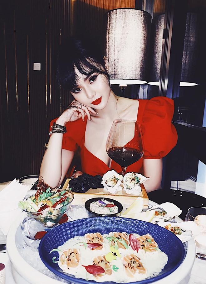 Em gái Angela Phương Trinh xinh đẹp, quyến rũ hơn khi bớt khoe thân-7