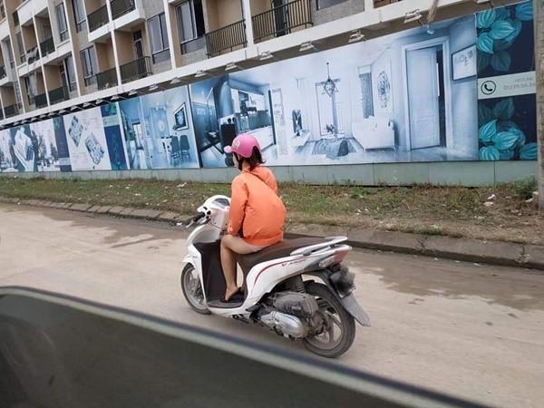 Sốc với hình ảnh cô gái mặc quần như không mặc phi như bay trên đường-2