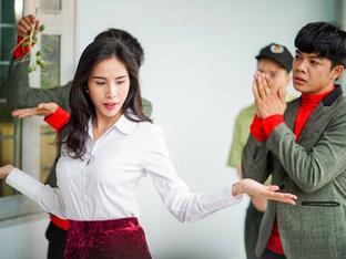 Cười ngất với vai diễn 'điệu chảy nước' của Thủy Tiên trong phim đóng cùng Ngọc Trinh
