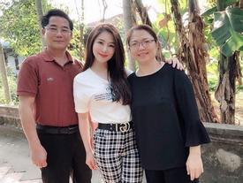 Mẹ Hương Tràm nhắn con gái: 'Hãy chọn người như bố làm chồng'