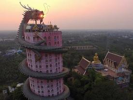 Ngắm kỳ quan rồng khổng lồ uốn quanh ngôi đền cao 17 tầng