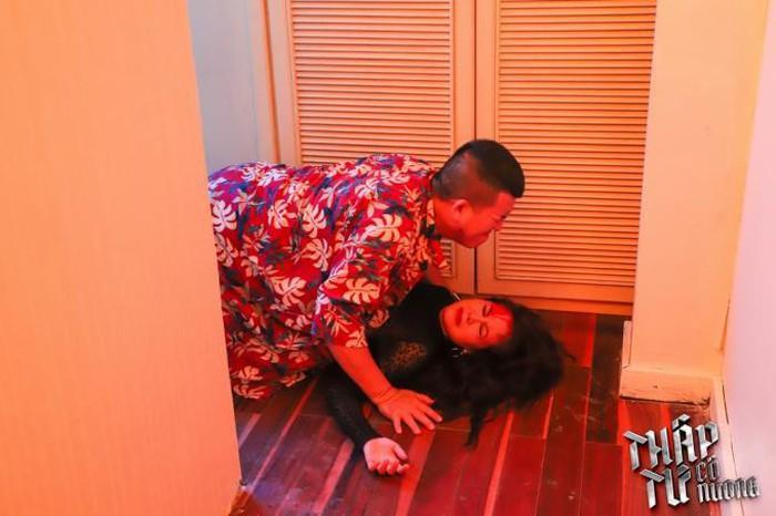 Hậu trường cảnh cưỡng hiếp khác xa trên phim của Kiều nữ làng hài Nam Thư-1