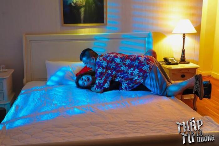 Hậu trường cảnh cưỡng hiếp khác xa trên phim của Kiều nữ làng hài Nam Thư-2
