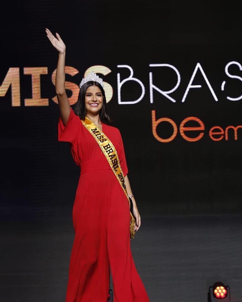 Nhắn tin làm quen đối thủ Brazil tại Miss Universe 2019, Hoàng Thùy nhận cái kết bất ngờ từ cực phẩm mỹ nhân-4