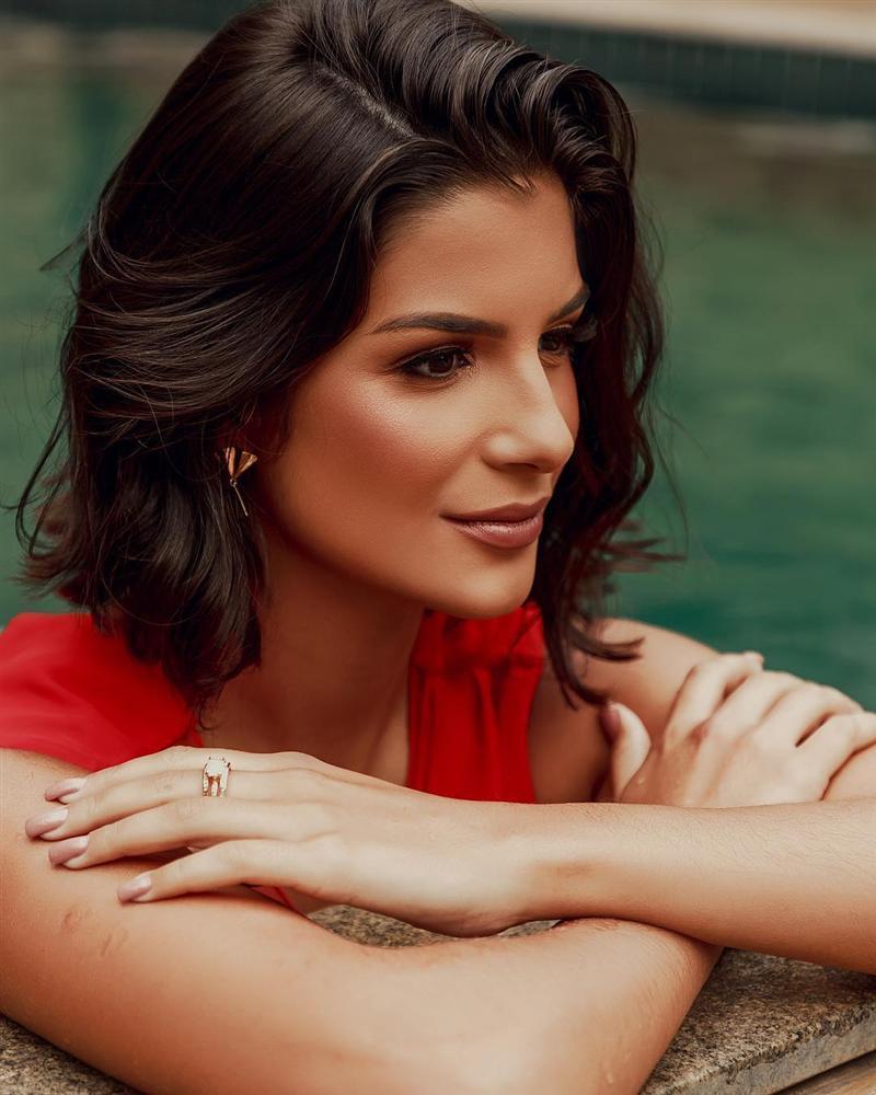 Nhắn tin làm quen đối thủ Brazil tại Miss Universe 2019, Hoàng Thùy nhận cái kết bất ngờ từ cực phẩm mỹ nhân-5