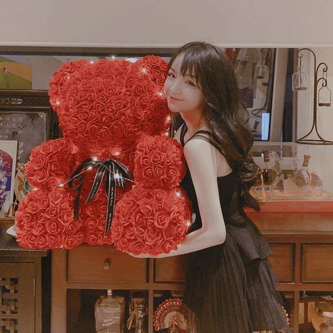 Không giả làm shipper nữa, em trai Phan Thành vẫn khiến ai nấy gato với món quà sinh nhật sớm tặng bạn gái-5