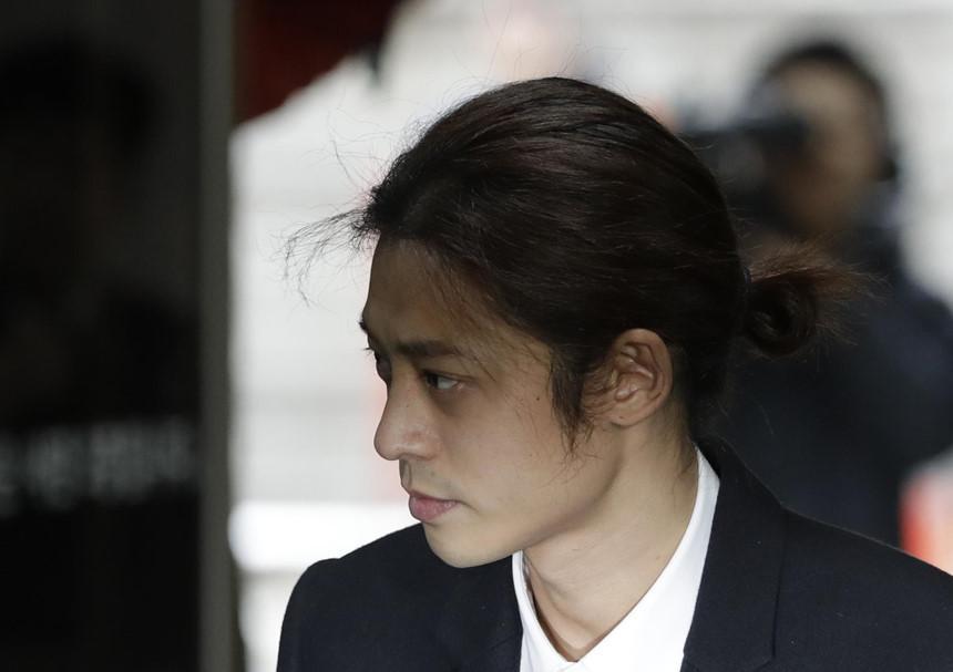 Jung Joon Young - tên thiếu gia mê hoặc phụ nữ, giỏi lừa lọc khán giả?-1