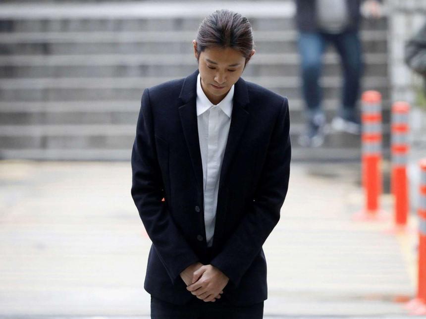 Jung Joon Young - tên thiếu gia mê hoặc phụ nữ, giỏi lừa lọc khán giả?-2