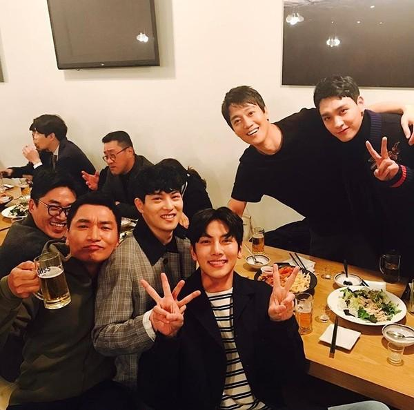 Mặc phủ nhận, Ji Chang Wook bị fan ném đá: Nghiện club, thân với Lee Jong Hyun và Choi Jong Hoon-8