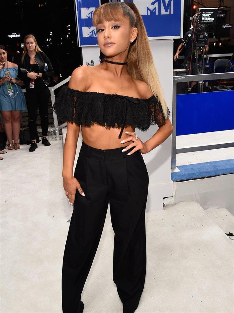 Ariana Grande - sao nữ nổi tiếng nhất Instagram có phong cách thời trang ra sao?-10