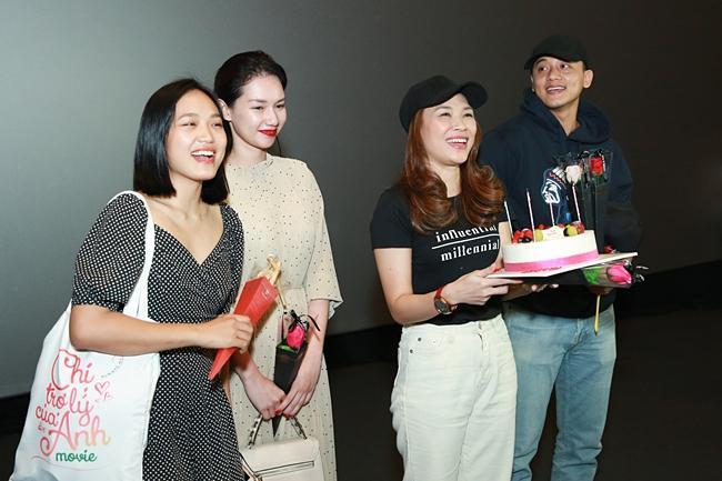 Mỹ Tâm cười tít mắt khi thấy nhạc sĩ Vũ Thành An đi xem Chị Trợ Lý Của Anh-6