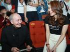 Mỹ Tâm cười tít mắt khi thấy nhạc sĩ Vũ Thành An đi xem 'Chị Trợ Lý Của Anh'