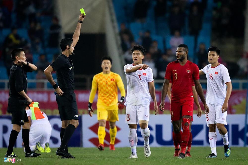 Sao trẻ U23 Việt Nam khiêu khích tiền đạo dính thẻ đỏ của Indonesia?-1