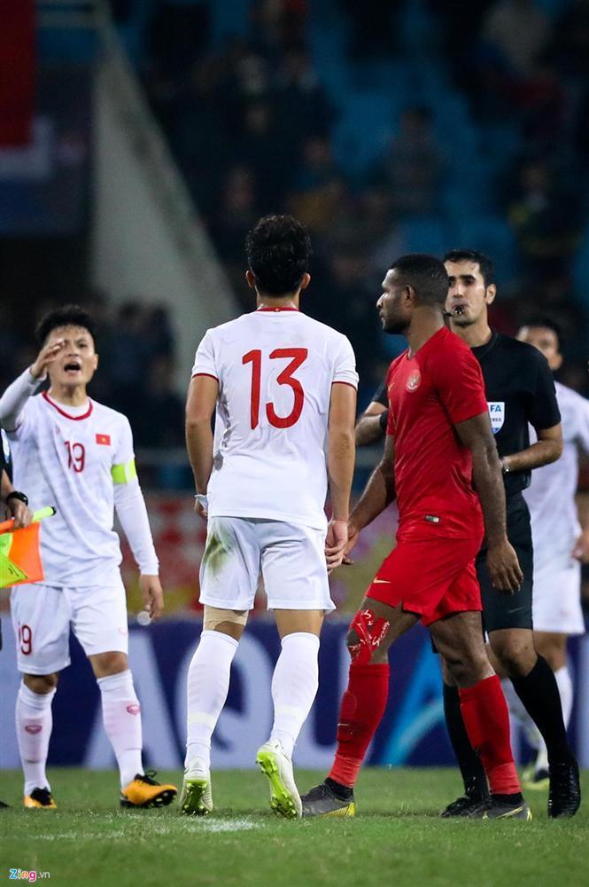 Sao trẻ U23 Việt Nam khiêu khích tiền đạo dính thẻ đỏ của Indonesia?-3
