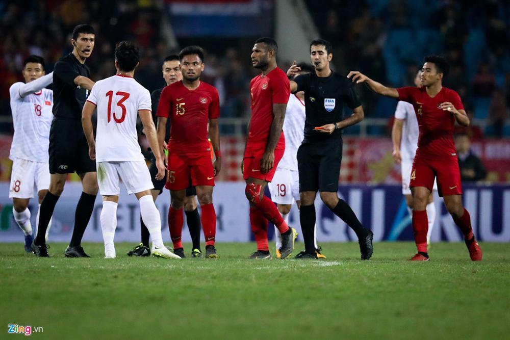 Sao trẻ U23 Việt Nam khiêu khích tiền đạo dính thẻ đỏ của Indonesia?-4