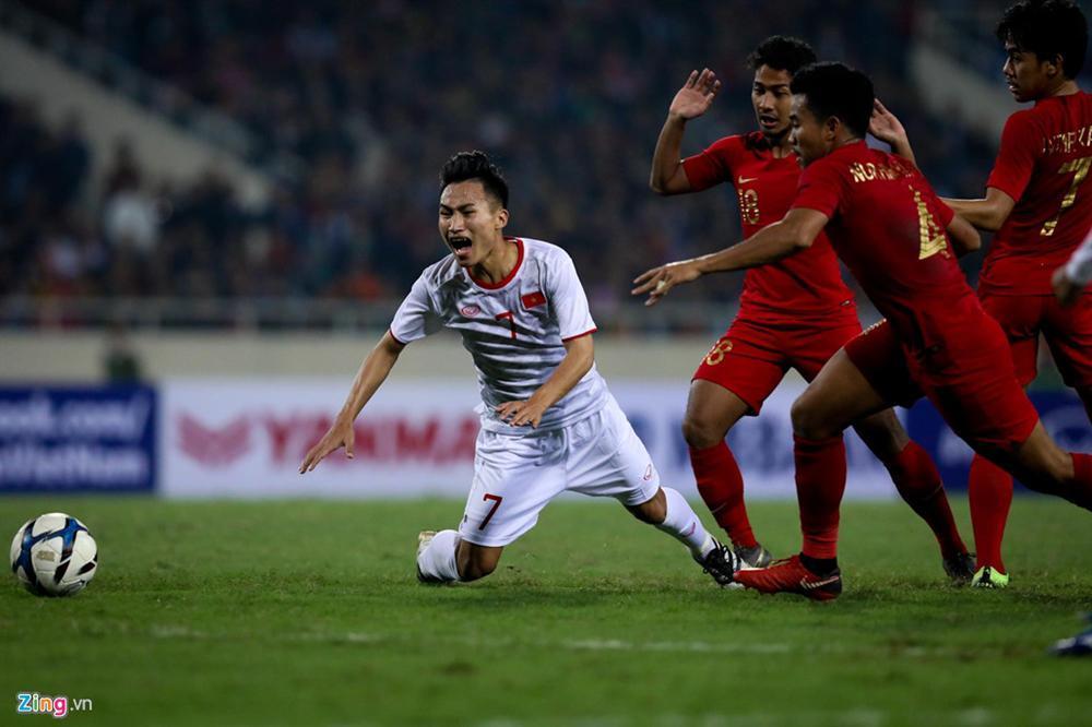 Sao trẻ U23 Việt Nam khiêu khích tiền đạo dính thẻ đỏ của Indonesia?-7