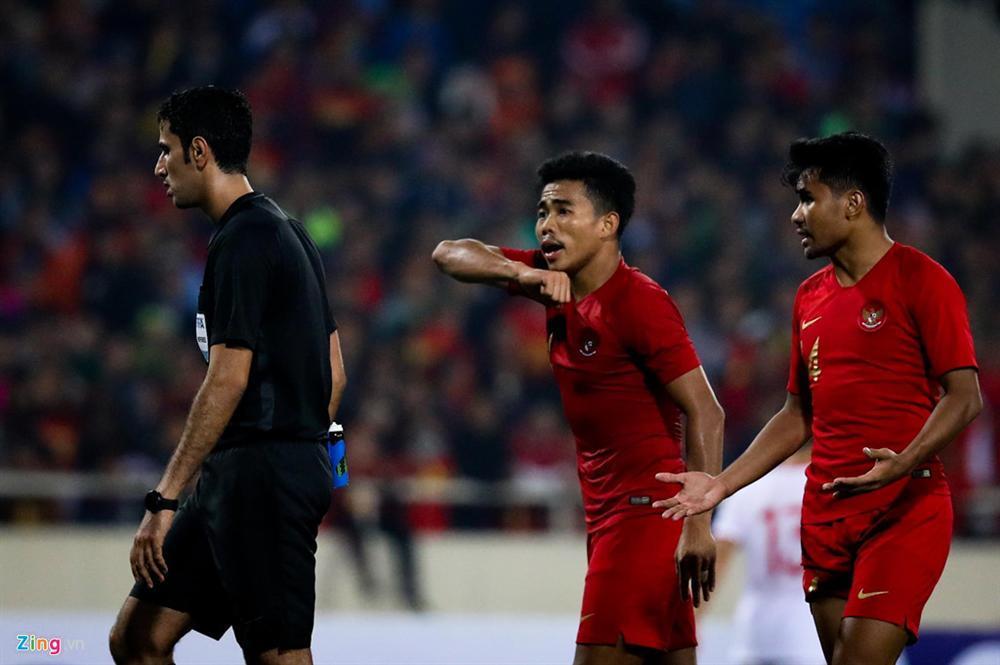 Sao trẻ U23 Việt Nam khiêu khích tiền đạo dính thẻ đỏ của Indonesia?-8