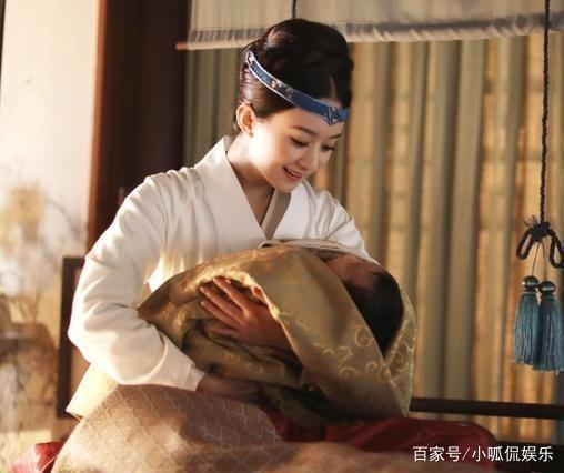 Chiều vợ như Phùng Thiệu Phong: Sẵn sàng làm bố bỉm sữa để Triệu Lệ Dĩnh được tung tẩy đi đóng phim-2