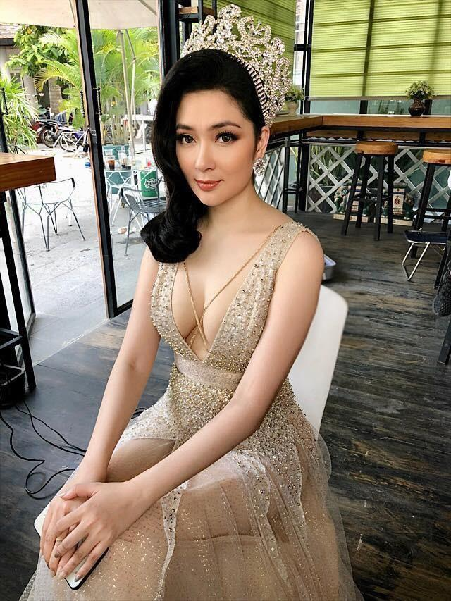 Nhan sắc Hoa hậu Nguyễn Thị Huyền sau 15 năm đăng quang-3