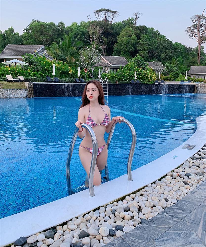 Hotgirl Thúy Vi đốp chát antifan khi bị chửi làm gái vì đăng ảnh bikini trong tư thế ngực tấn công mông phòng thủ-7