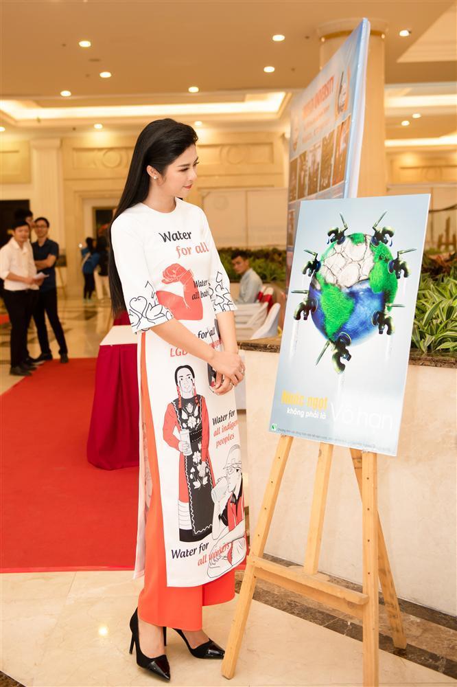 Hoa hậu Ngọc Hân bác tin lấy chồng dù trước đó công khai đăng ảnh đeo nhẫn cưới bên người tình giấu mặt-7