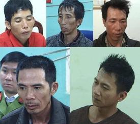 Phạm Văn Dũng không lẩn trốn hay sợ hãi trước khi bị bắt, bố mẹ 2 anh em bất lực vì tội ác của con mình