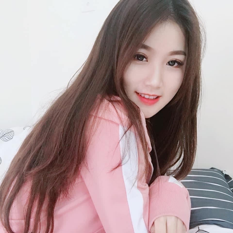 Đã tìm ra info gái xinh gây náo loạn mạng xã hội khi đi cổ vũ U23 Việt Nam tại Mỹ Đình-4