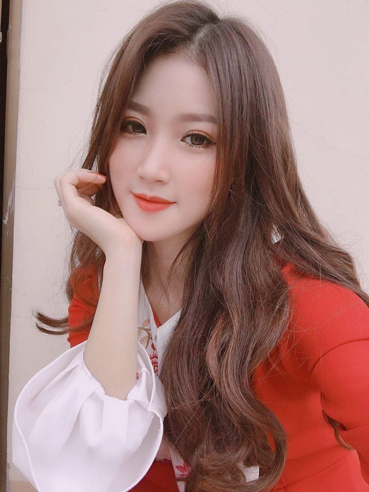 Đã tìm ra info gái xinh gây náo loạn mạng xã hội khi đi cổ vũ U23 Việt Nam tại Mỹ Đình-5
