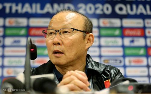 Thắng đậm Thái Lan, thầy trò HLV Park Hang Seo được dàn tài tử Hàn Quốc đích thân vào phòng họp báo chúc mừng-2