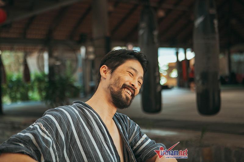 Johnny Trí Nguyễn: Không quan tâm ngoại hình, bên Nhung Kate không cần cưới-5