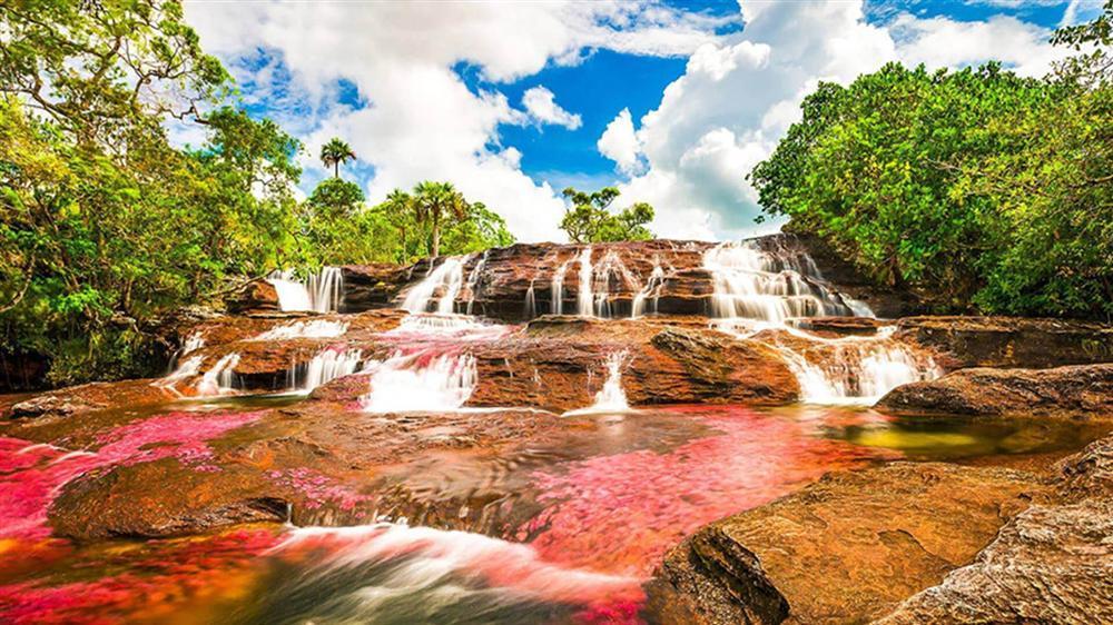 Dòng sông đẹp nhất thế giới chảy xuống từ thiên đường-7