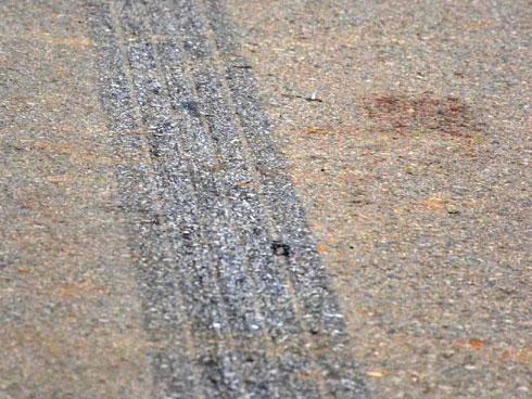 Lời kể ám ảnh của nhân chứng vụ xe khách đâm đoàn đưa tang: Tất cả bị đâm văng giữa đường, chưa bao giờ có vụ tai nạn nào kinh hoàng đến vậy-2