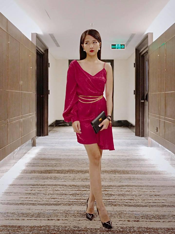 Khoe vòng nào ra vòng đấy, bạn gái Đặng Văn Lâm khiến dân tình phản ứng sốc: Đẹp thế này ai chịu được-8