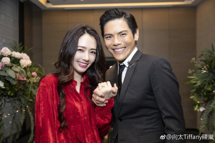 Con trai ông trùm Hong Kong bất ngờ cầu hôn tình cũ Seungri-2
