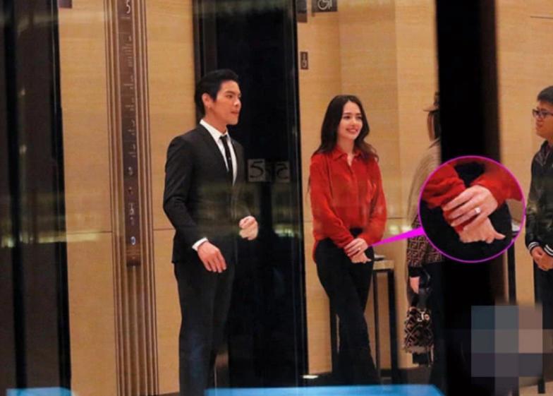 Con trai ông trùm Hong Kong bất ngờ cầu hôn tình cũ Seungri-13