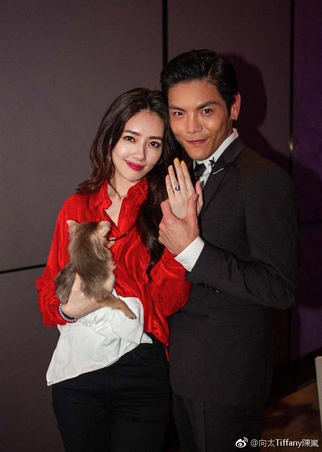 Con trai ông trùm Hong Kong bất ngờ cầu hôn tình cũ Seungri-5