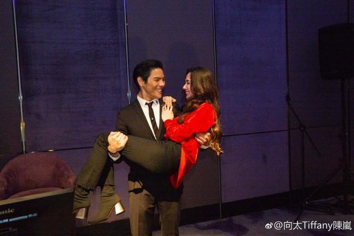Con trai ông trùm Hong Kong bất ngờ cầu hôn tình cũ Seungri-6
