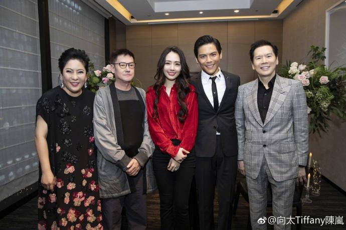 Con trai ông trùm Hong Kong bất ngờ cầu hôn tình cũ Seungri-7