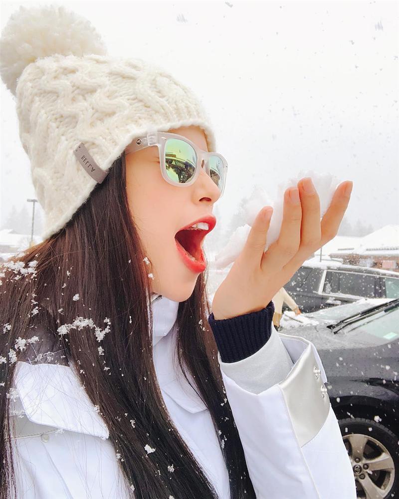 Sang Mỹ 6 tháng, Phạm Hương 3 lần khoe quà tiền tỷ người tình tặng khiến fan ở nhà xốn xang-9