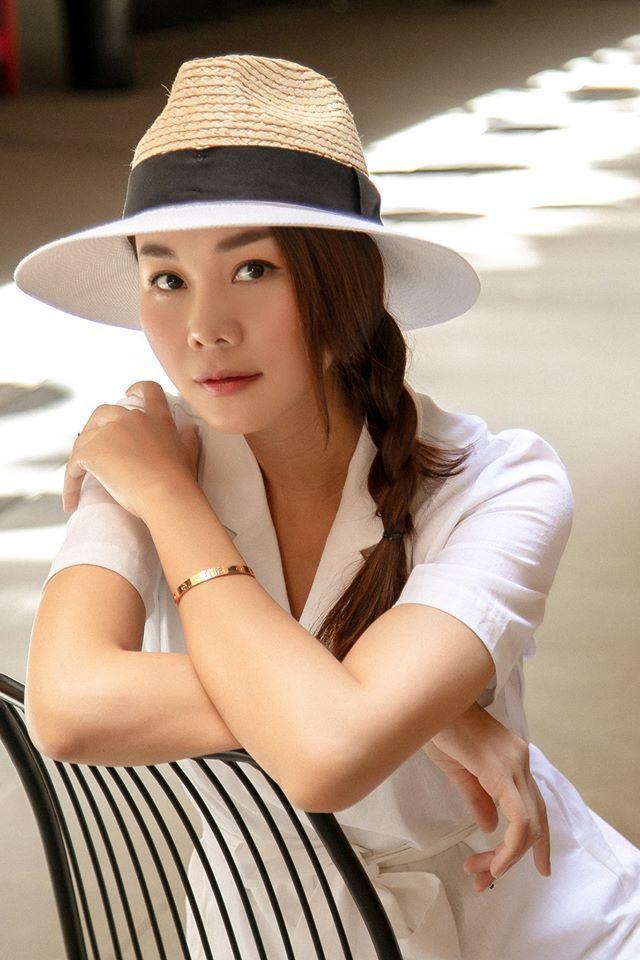 Giữa ồn ào yêu người mới sau Hoàng Thùy Linh, Vĩnh Thụy than thở: Tình chỉ đẹp khi tình dang dở-9