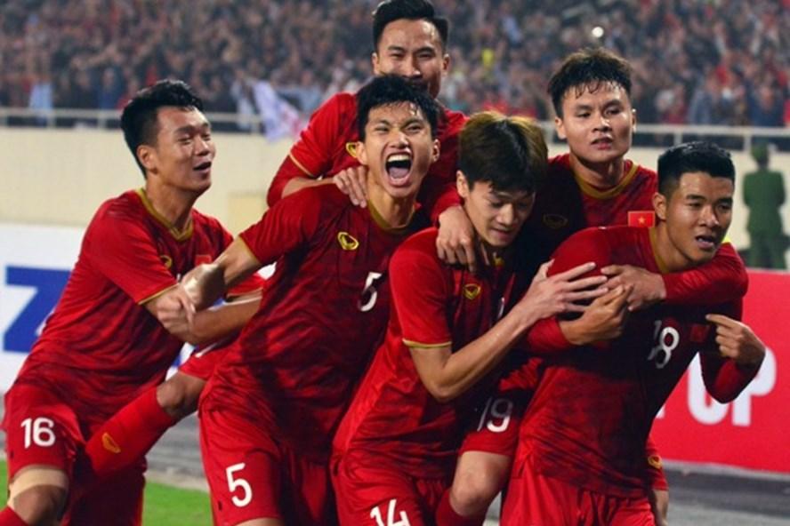 MC Lại Văn Sâm hát chế Tóc em đuôi gà cực hài cực máu lửa tặng HLV Park Hang-seo sau chiến thắng lịch sử-1