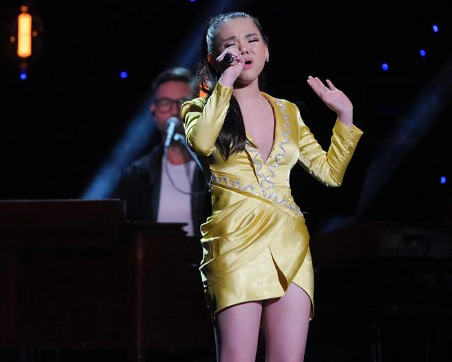 Phần thi bị cắt giúp cô gái Việt 19 tuổi lọt top 40 American Idol-1