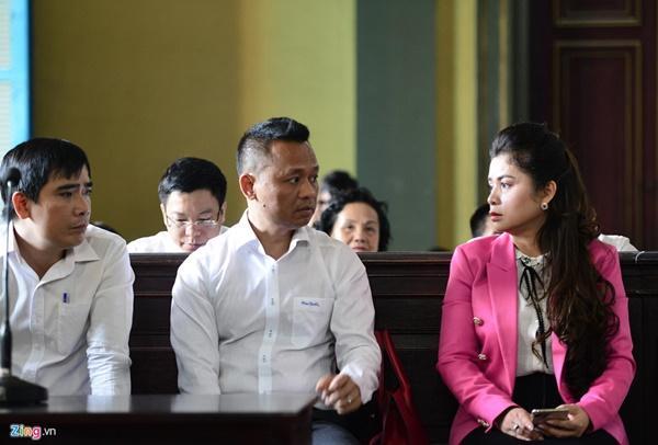 Cảm xúc trái chiều của vợ chồng vua cà phê sau phiên tòa ly hôn-3