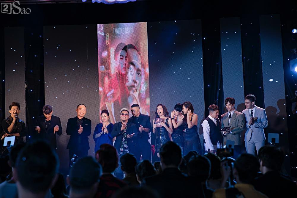 Thu Trang và Diệu Nhi diện đầm bốc lửa ra mắt phim Chị Mười Ba-1