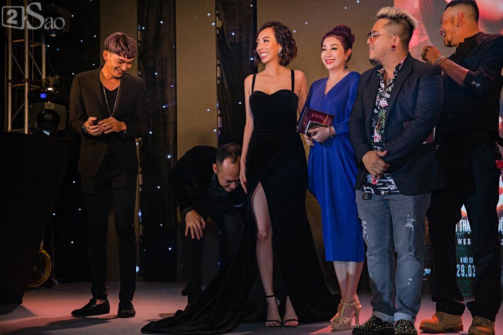 Thu Trang và Diệu Nhi diện đầm bốc lửa ra mắt phim Chị Mười Ba-3