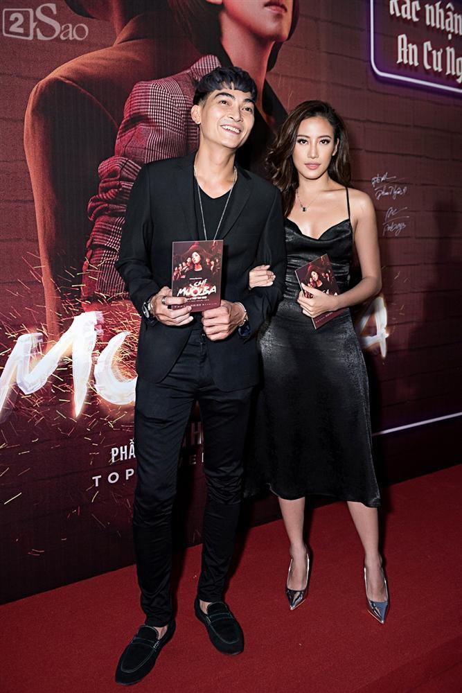 Thu Trang và Diệu Nhi diện đầm bốc lửa ra mắt phim Chị Mười Ba-6