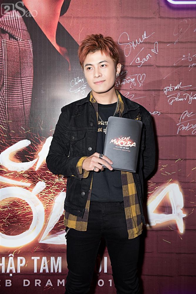 Thu Trang và Diệu Nhi diện đầm bốc lửa ra mắt phim Chị Mười Ba-14